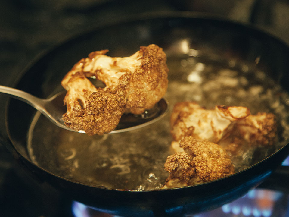 fried-cauliflower-with-tarator-sauce,wpbakery