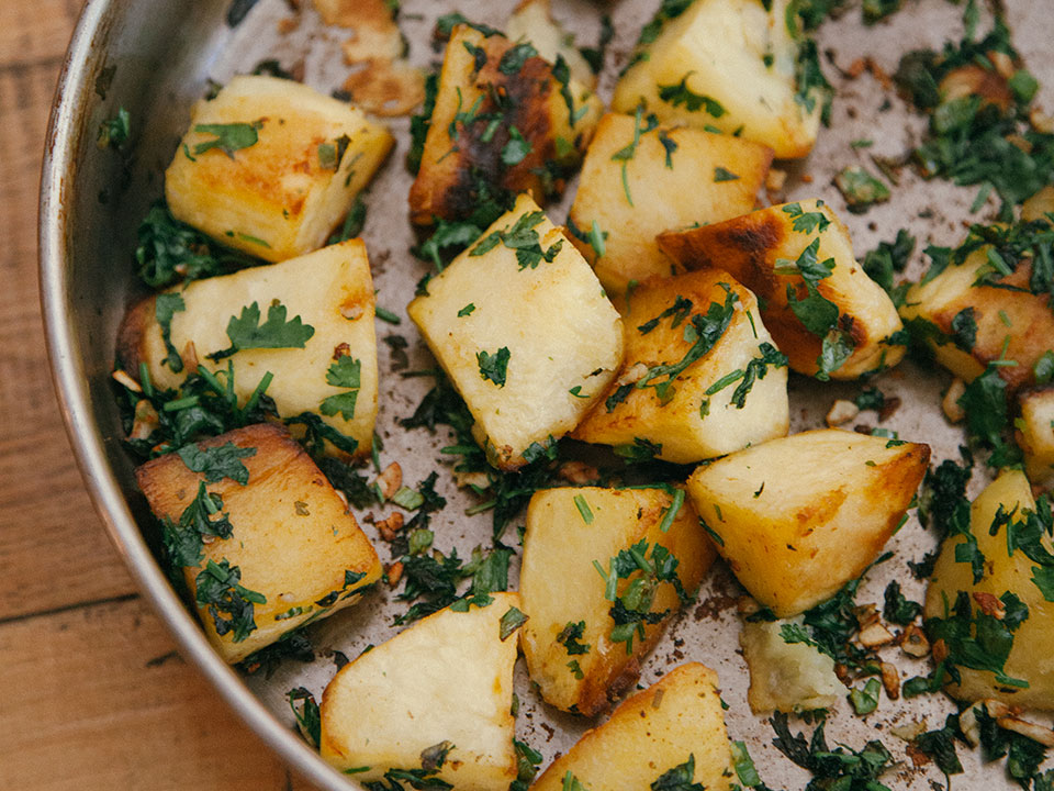 potatoes-with-green-coriander-and-chile-flakes,wpbakery